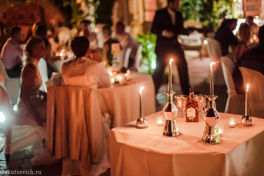 свадьба на вилле в Испании - жених и невеста