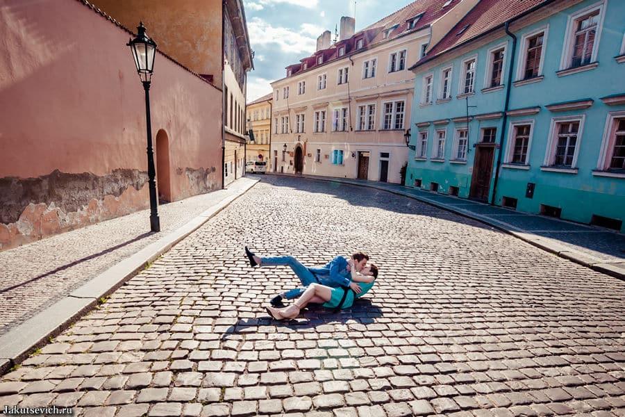 Влюбленные на улицах Праги
