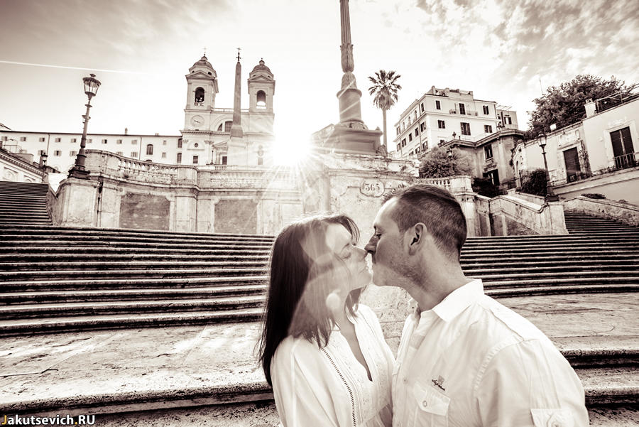 Прогулка по Риму - испанская лестница утром без туристов