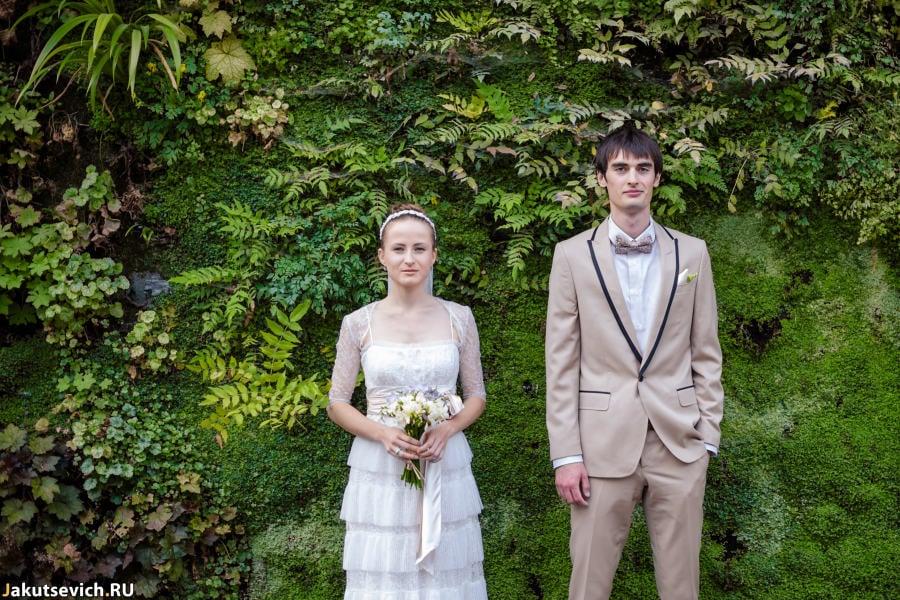 Вертикальные сады в Париже - свадебная фотосессия