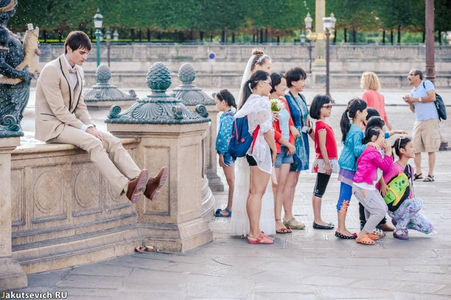 Свадебная фотосессия в Париже и китайские туристы