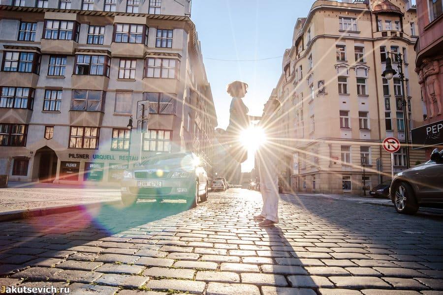 Утро в Праге - первые лучи солнца
