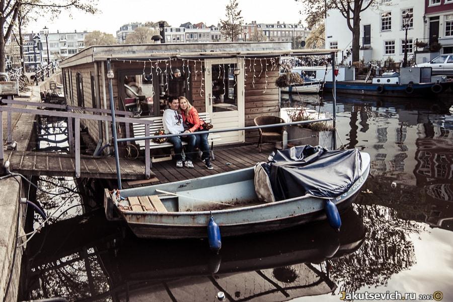 Дом на воде в Амстердаме