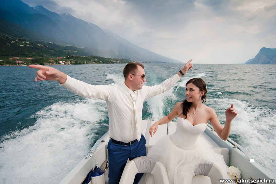 Прогулка по Гарде на катере на свадьбу фото