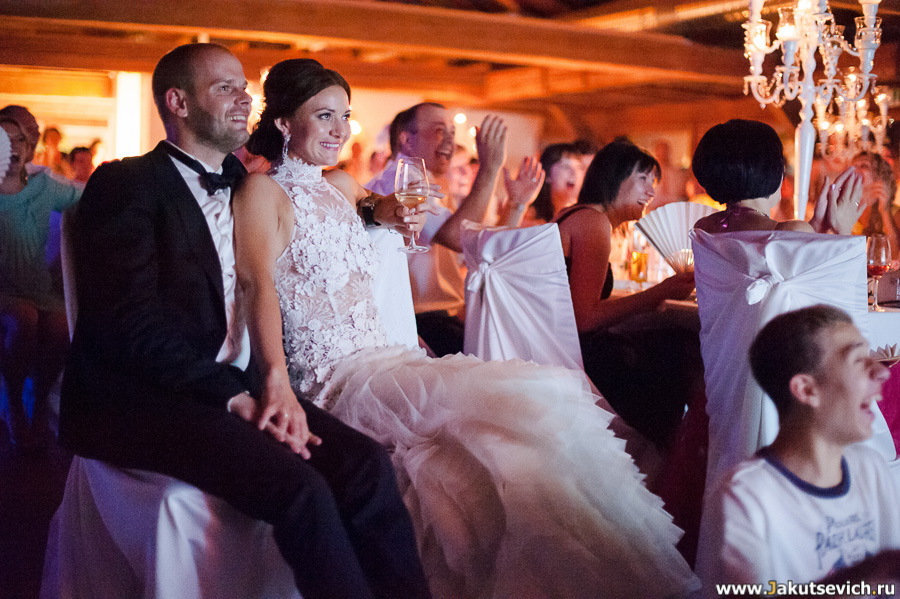 Сюрприз для жениха и невесты