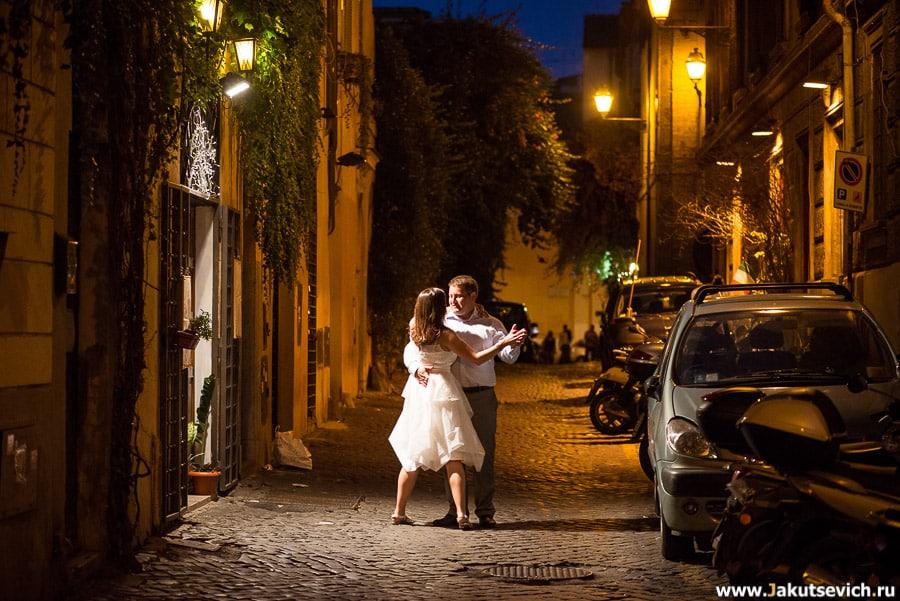Романтическая фотосессия в свадебных нарядах