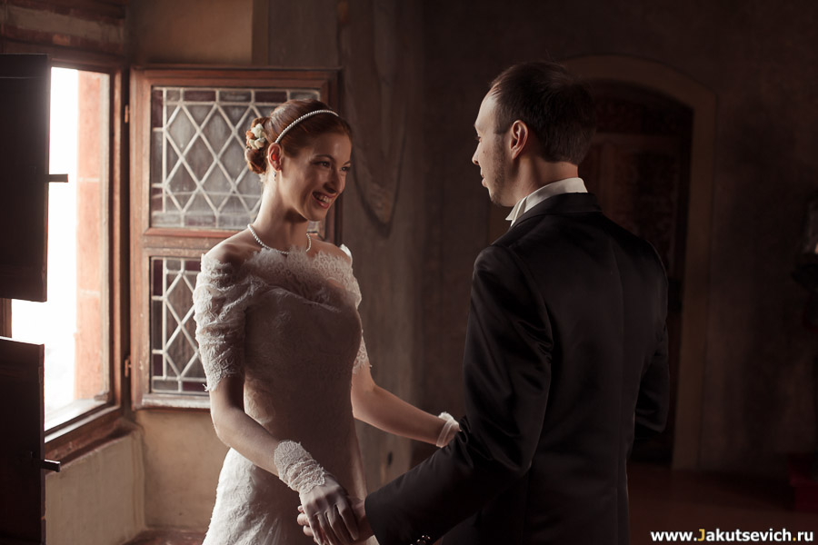 влюбленный взгляд невесты