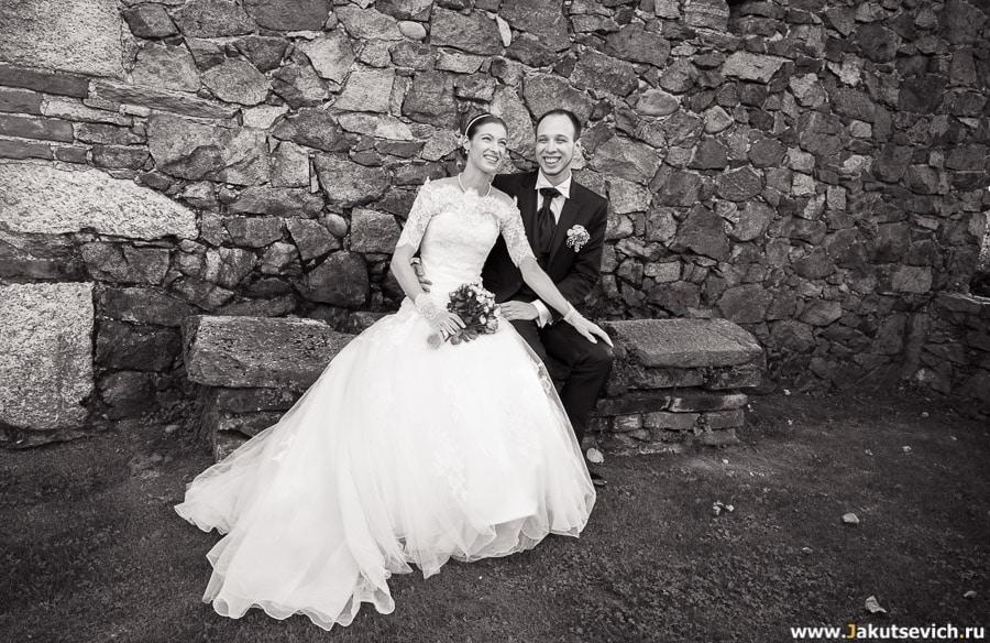 Веселые жених и невеста
