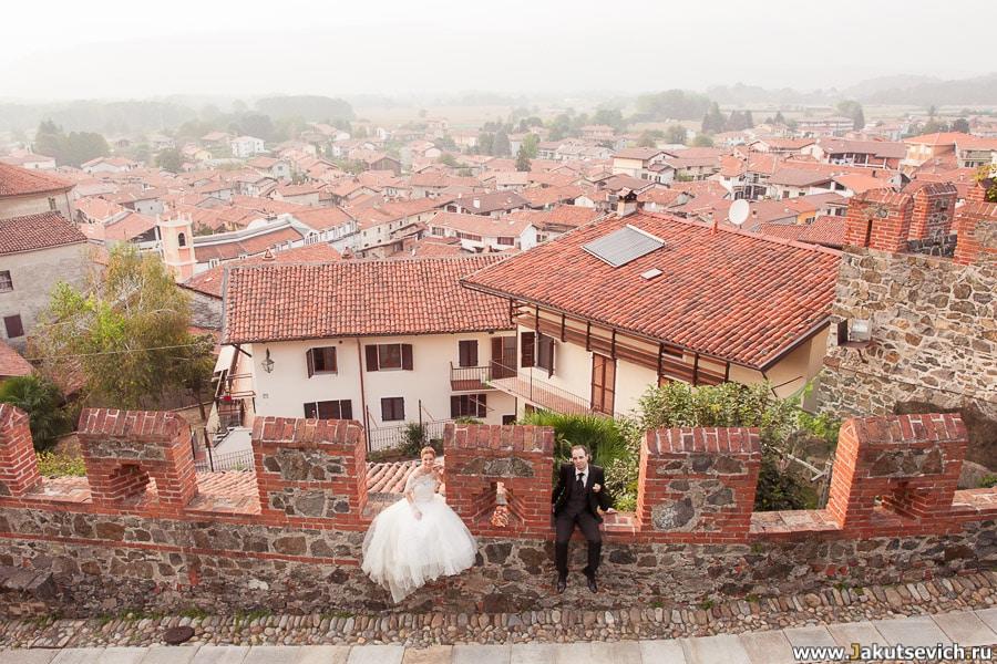 Свадьба в замке жених в невеста