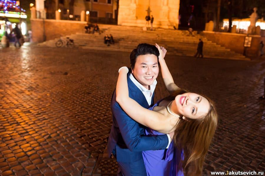 счастливые влюбленные фотосессия Рим