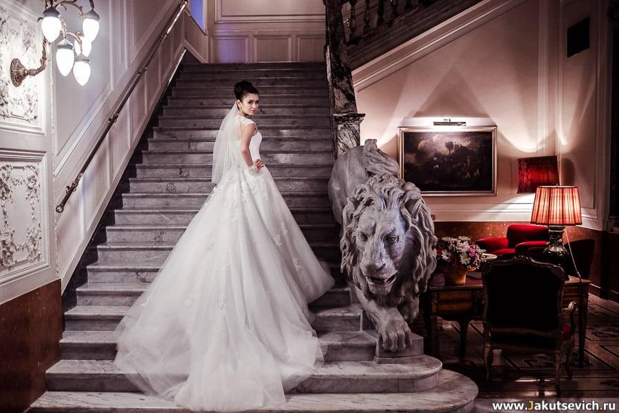 Профессиональная фотосессия для невесты в свадебном платье в Риме