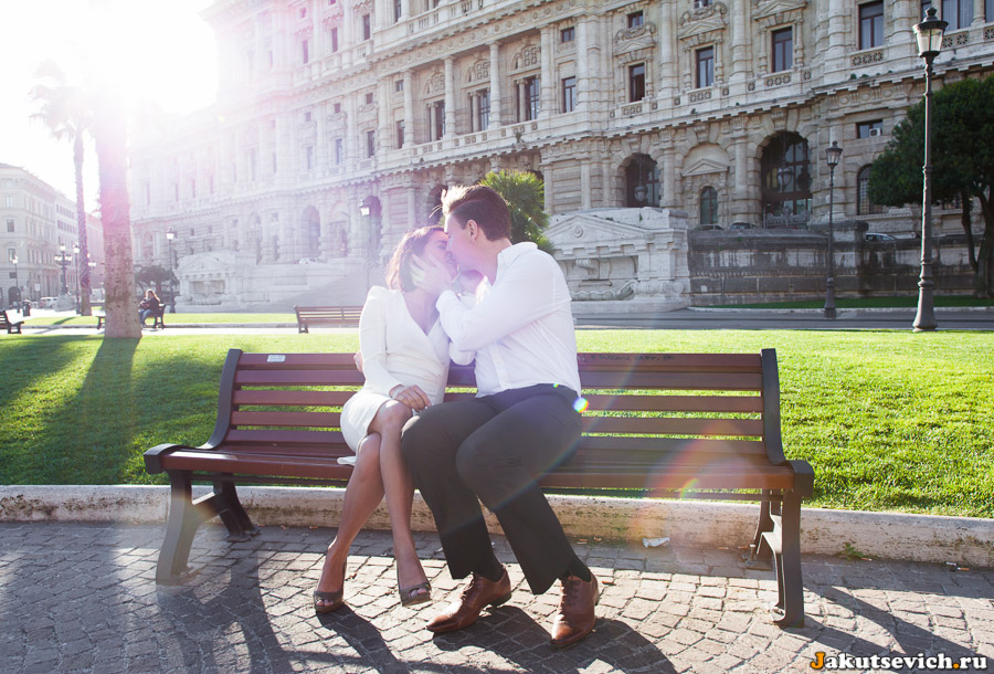 Влюбленные фотосессия на Piazza Cavour в Риме