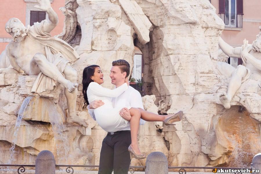 Счастливая пара в Риме