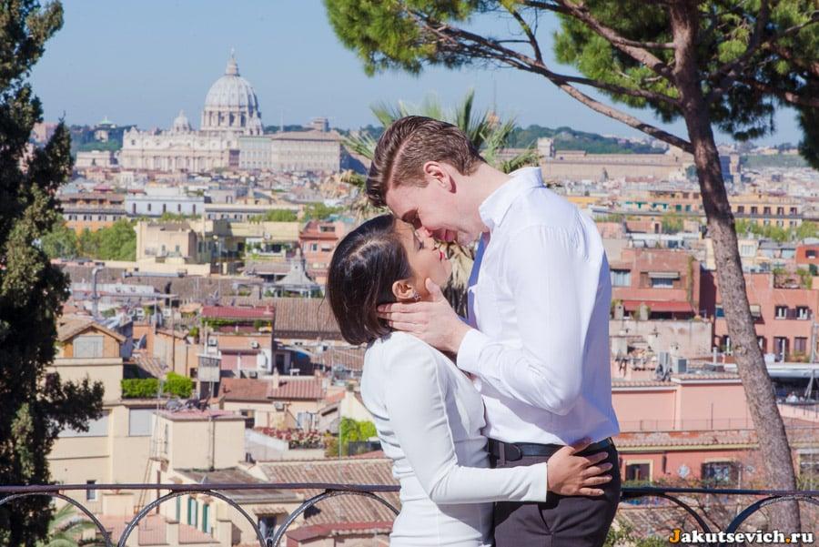 Вид на панораму Рима со смотровой площадки на вилла Боргезе