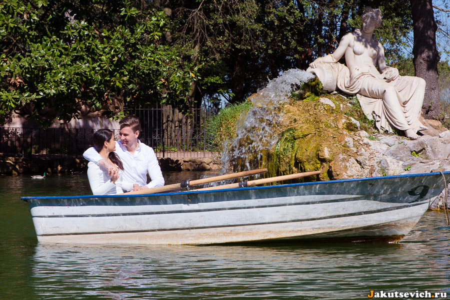 Озеро на вилла Боргезе в Риме