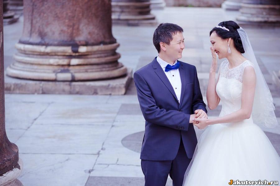 свадебная фотосессия в римском Пантеоне в апреле