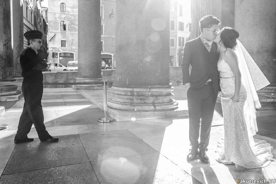 Итальянский фотограф в Риме