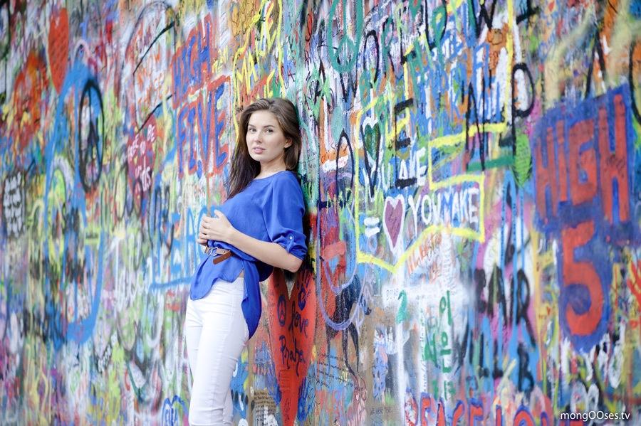 Стена Леннона - самое красочное место в Праге