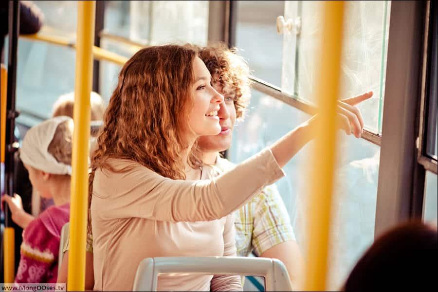 Влюбленные Анна и Рене в пражском трамвайчике