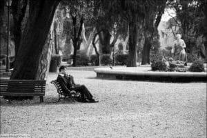 влюбленные в римском парке