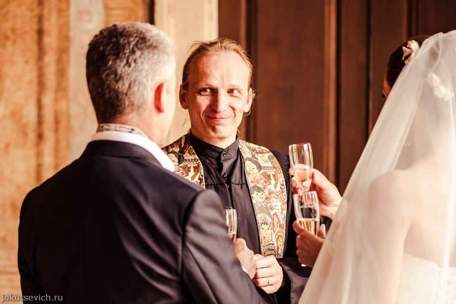 Пан Самойский - регистратор и ведущий свадебной церемонии в Праге