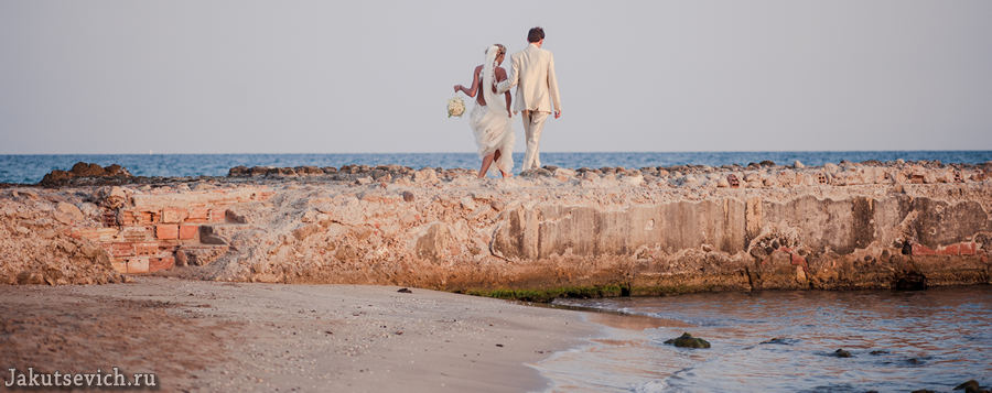 Красивая свадебная фотосессия на море в Испании