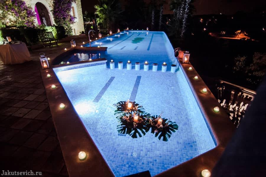 необычная свадьба - бассейн