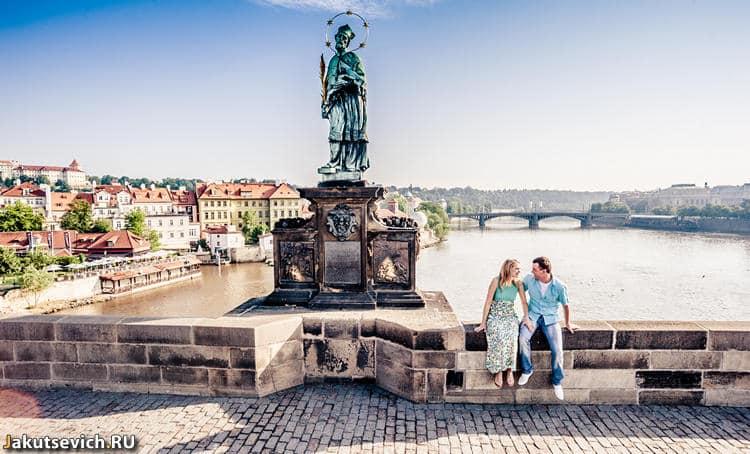 Карлов мост летом - прогулка по Праге