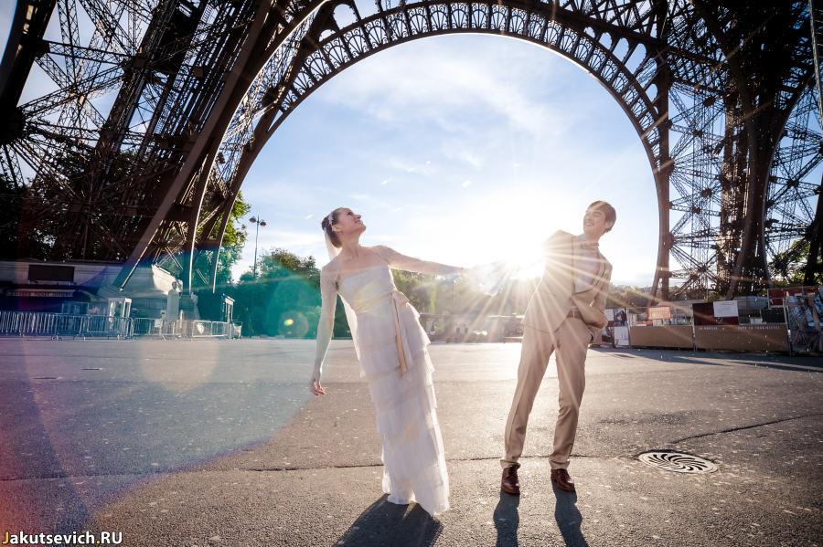Эйфлева Башня - свадебная фотосессия в Париже
