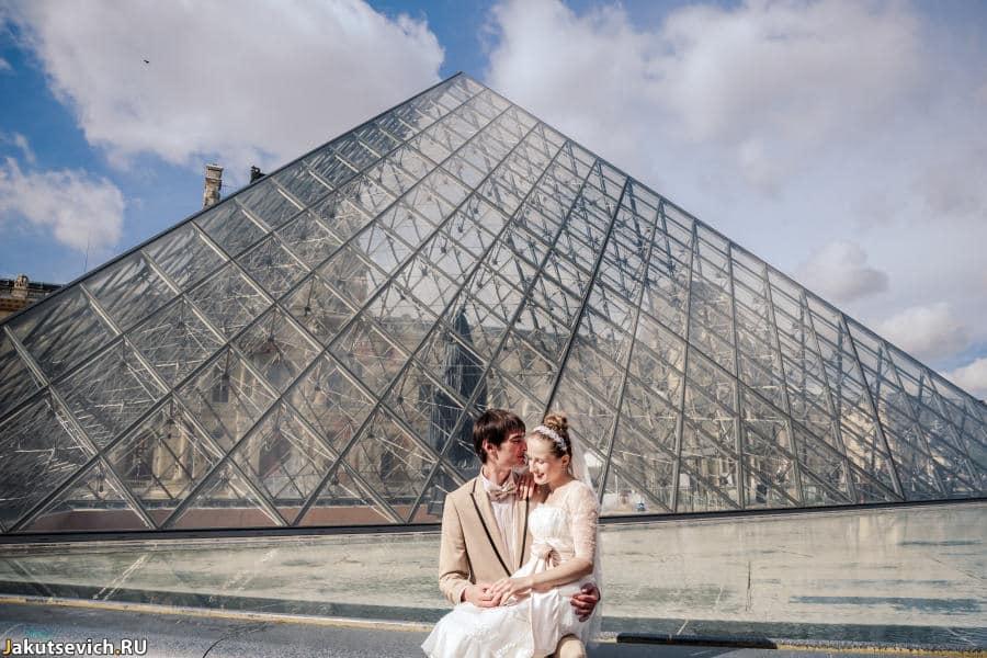 Свадебная фотосессия в Париже в августе Лады и Влада