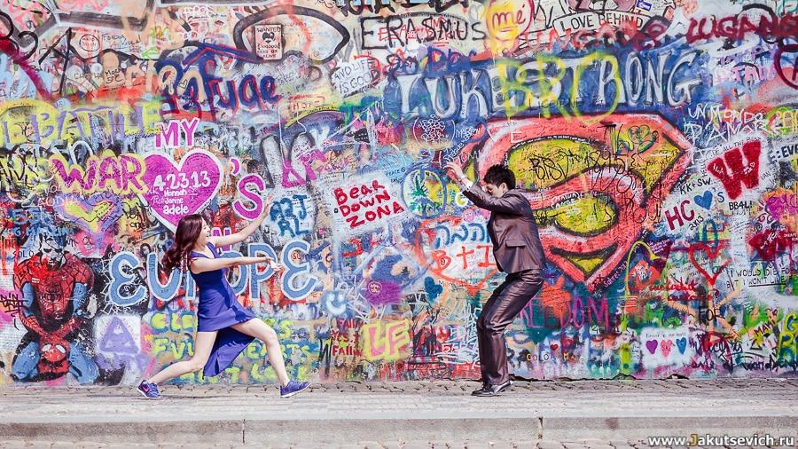 Фотосессия стена Леннона в Праге