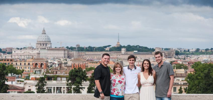 Семейная фотосессия летом в Риме на вилла Боргезе