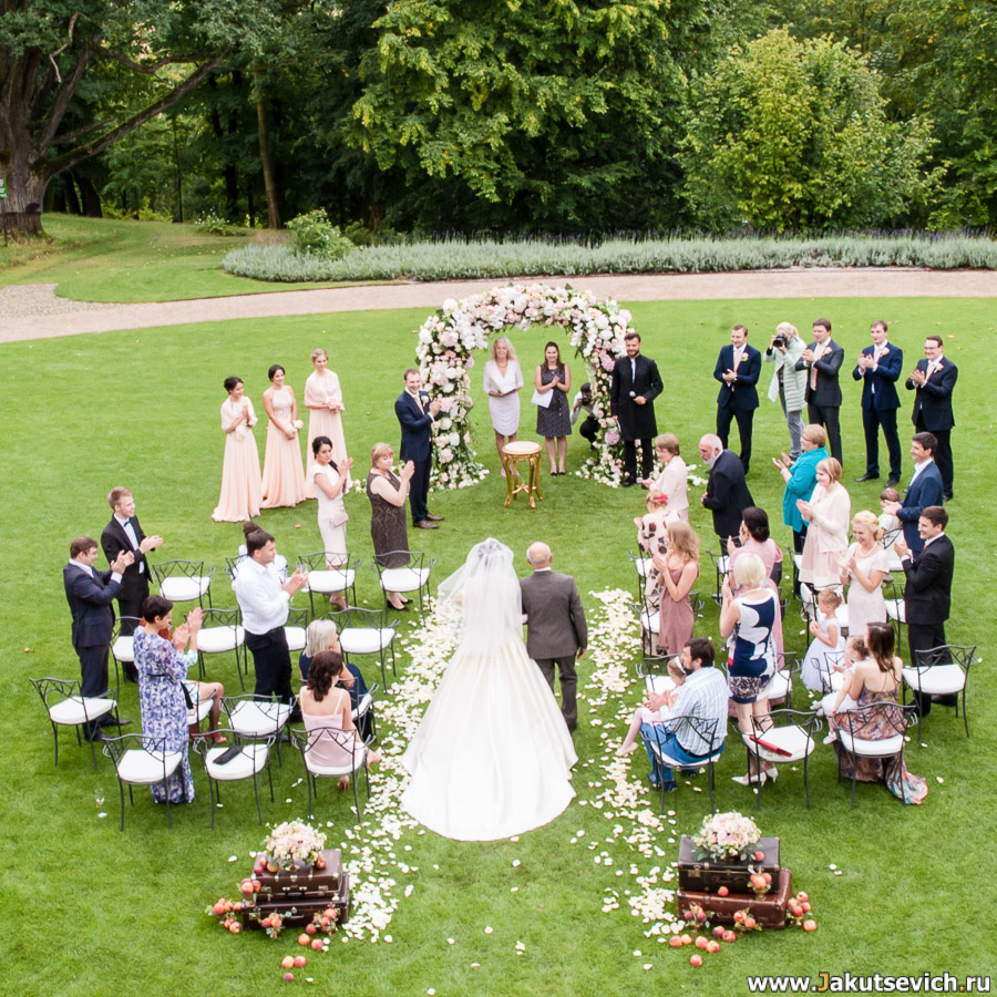 свадебная церемония Шато Мцелы