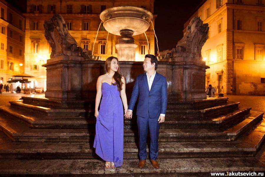 Ночной Рим в январе влюбленные