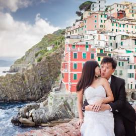 Свадебная фотосессия в Италии: Чинкве-Терре, Риомаджоре в июне