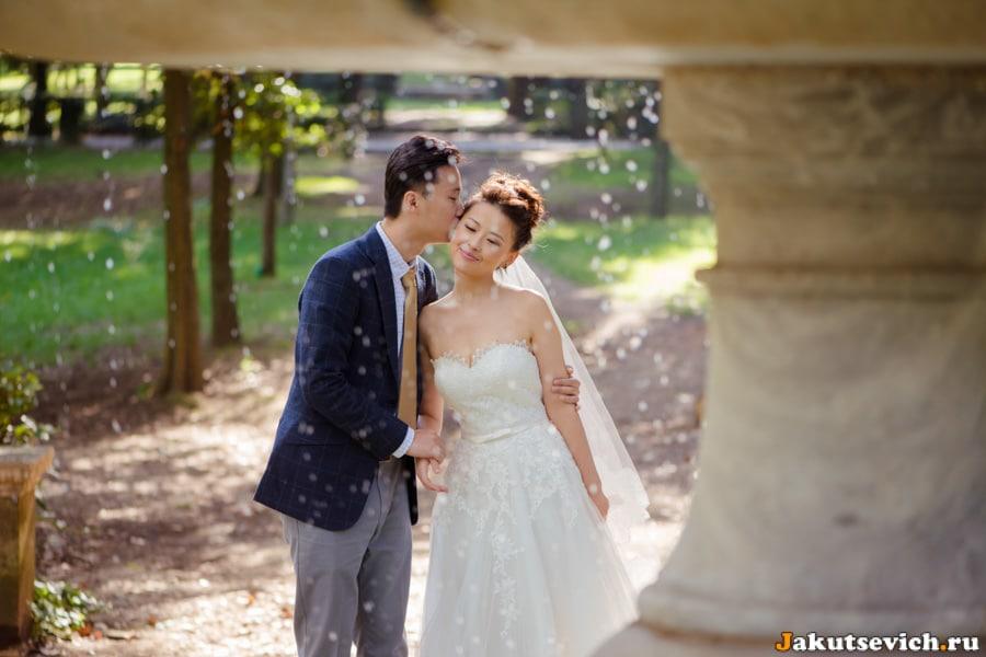 Жених и невеста, фотосессия на вилла Боргезе в октябре