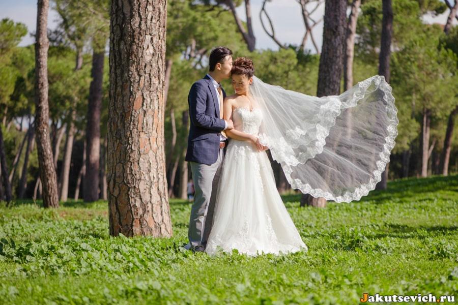 свадебная фотография на вилла Боргезе в Риме в октябре